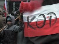 Polski dzień niepodległości: jedna ojczyzna - dwa światy.