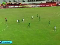 Potężna bomba algierczyka przeciwko Nigerii