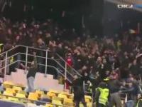 Awantura po meczu Rumunia - Polska. Polak sam pobiegł na kilkunastu Rumunów!