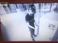 Korzystający z bankomatu trafia główną wygraną