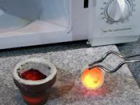 Wytapianie szkła w kuchence mikrofalowej