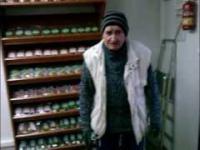 Dowcip o wieśniaku który próbuje sprzedać w mieście jajka