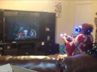 Babcia gra w Playstation VR