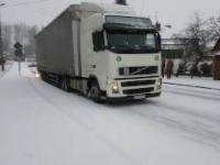 Kilkukilometrowy korek w Oleszycach. Mieszkańcy pomagali kierowcom