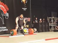 Eddie Hall podnosi w martwym ciągu 500 kg