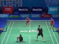 Niesamowita wymiana lotki w badmintonie