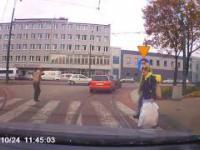 W Sosnowcu przez pasy przechodzimy tak...