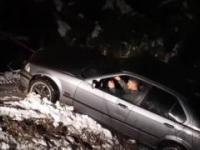 Wyciaganie samochodu z rowu || Pulling car out of snow Fail