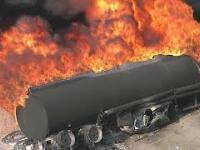 Płonące ciężarówki