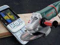 Stara Nokia i jej dymiąca bateria
