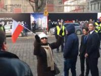 Ciepłe przywitanie Kaczyńskiego we Wrocławiu 22.01.2017 + fanka karakana