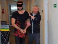 """UWAGA! Pijany migrant atakował przechodniów w centrum Warszawy, molestował seksualnie dziewczynę, krzyczał """"J…ć Polaków""""!"""