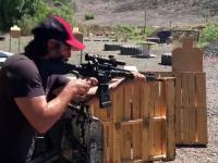 Keanu Reeves szaleje na strzelnicy