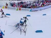 Kraksa w biegu łączonym kobiet na MŚ w Lahti