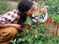 Niesamowita Przyjaźń Ludzi i Dzikich Zwierząt - Kompilacja 2017