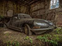 Najciekawsze, porzucone samochody w Europie