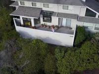Wkurzona sąsiadka próbuje zestrzelić drona