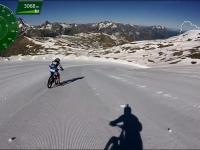 Szalony zjazd rowerami po lodowcu we Francuskich Alpach