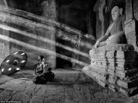 Uwiecznione na fotografiach zanikające tradycje w Azji