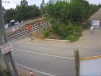 Rozerwanie ciężarówki przez pociąg