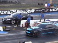 Tesla Model S vs Ford Mustang GT500