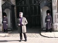 Strażnik Królowej traci cierpliwość do irytującego turysty