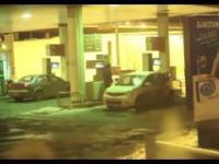 Mycie auta benzyna na stacji paliw
