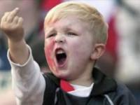 Nienormalni kibice piłkarscy // Stupid football fans