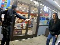 Nagranie z policyjnego bodycama: Policjant zabija meżczyznę z jego własnej broni 18+