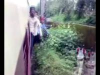Ekstremalne zabawy na pociągu (wersja indyjska) // Indian train funny games