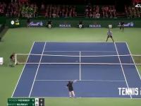 Andy Murray wymienił się rolą z ball boyem podczas meczu z Federerem