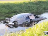 Wypadki super samochodów.
