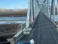 Genialne wykorzystanie mostu kolejowego