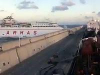 Awaria statku pasażerskiego na molo w Hiszpanii