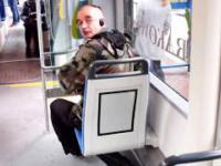 Palacz w tramwaju