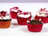 Zdobienie muffinek i babeczek na biało-czerwono