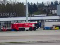 Gdańsk Rębiechowo - ćwiczenia lotniskowej straży pożarnej.