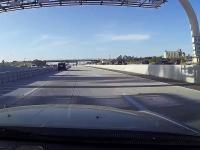 Szeryf San Diego trolluje kierowce blokującego lewy pas