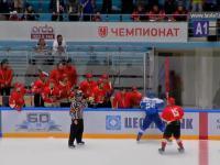 Kazachski hokeista eliminuje rywali