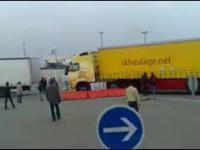 Jak Policja Francuska ma w dupie problemy kierowców w Calais