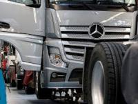 Produkcja samochodu ciężarowego Mercedes Actros