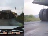 Eksplozja opony w największej ciężarówce na świecie - zerwała linię energetyczną
