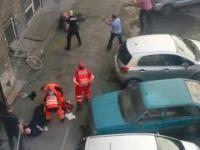 NOŻOWNIK WYPADŁ Z OKNA I RANIŁ POLICJANTÓW kamera jeden