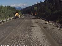 Walec drogowy ucieka z terenu budowy