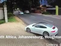 Szybka reakcja kierowcy Porsche na próbę kradzieży