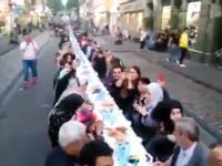 Ulice Kolonii. Muzułmanie świętują Ramadan