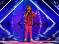 Dziewięciolatka z oszałamiającym głosem