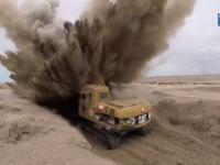 Koparka natrafia na minę przeciwczołgową