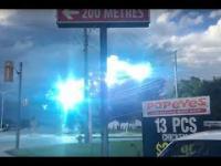 Elektryczny pokaz na linii po uszkodzeniu słupa