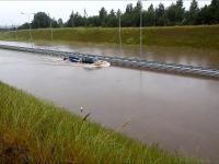 Subaru kontra zalana droga